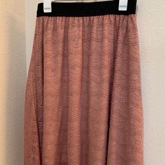 """NWT Lularoe """"Lola"""" skirt in mauve lace"""